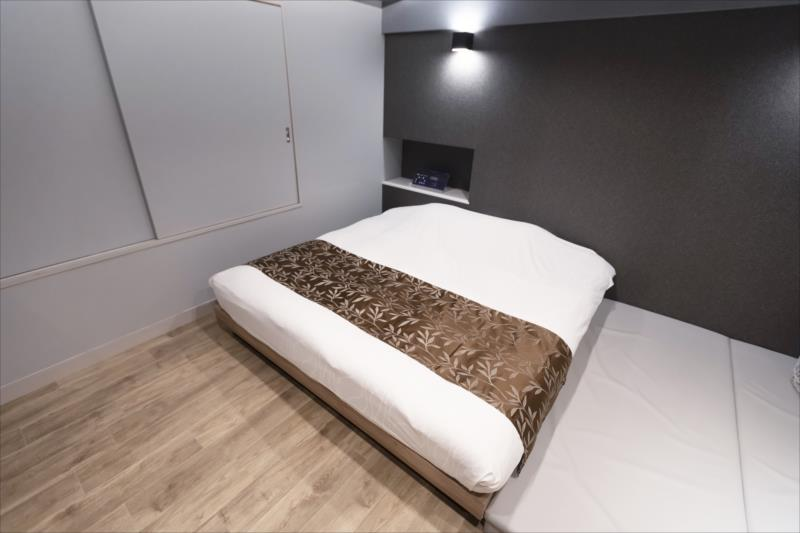 Room 401-c
