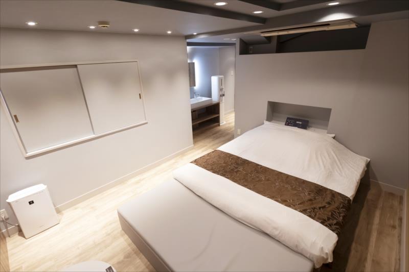 Room 402-b