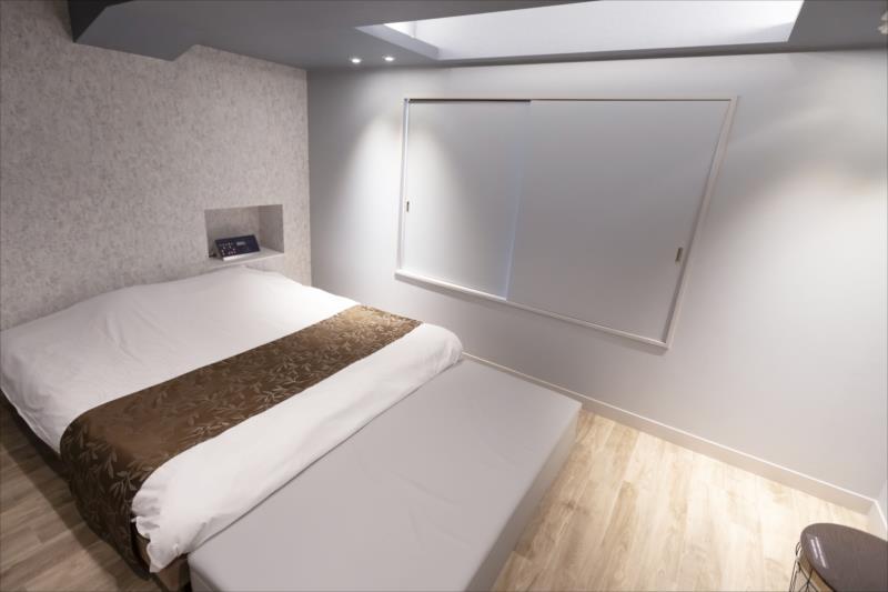 Room 403-c