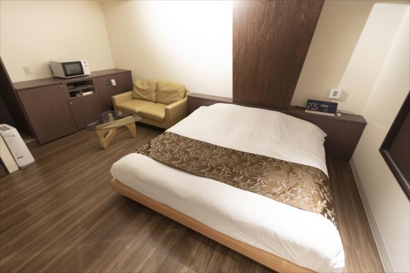 Room 405-c